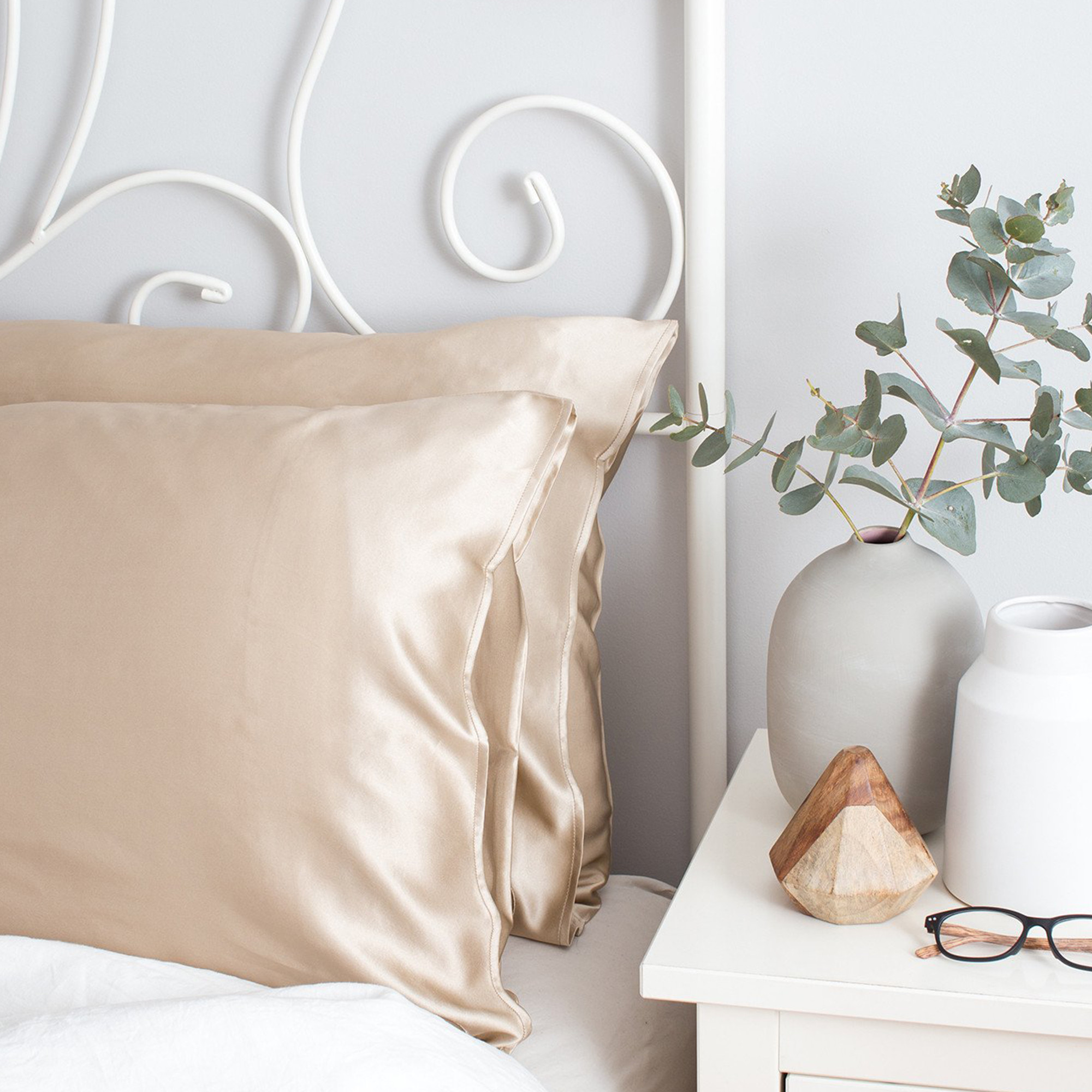 The Goodnight Co Silk Pillowcase